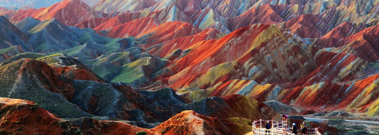 Les montagnes colorées de la montagne Zhangye Danxia en Chine