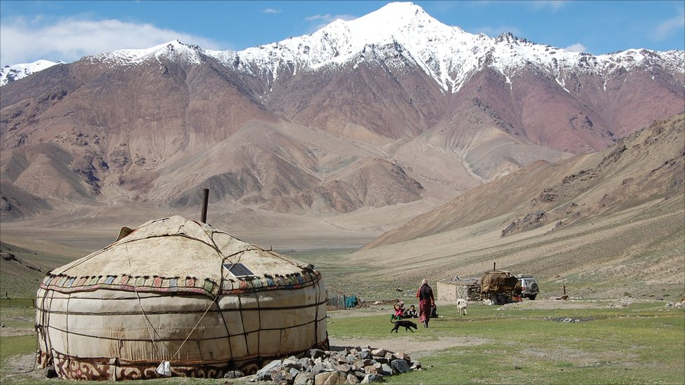 montagnes pamir Kirghizistan
