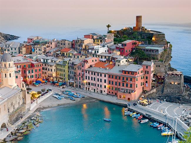 vernazza beau village italien