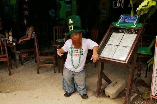 bar hobbit manille philippines
