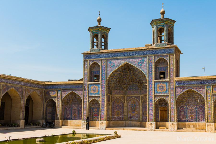 mosque rose shiraz extérieur