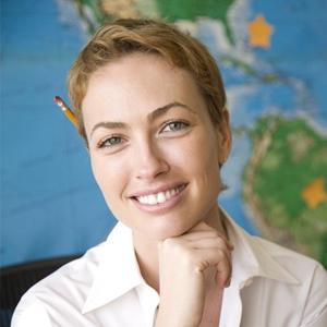 Devenir hôtesse d'accueil tourisme avec la formation à distance