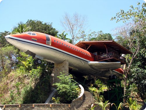 hotel avion costa rica