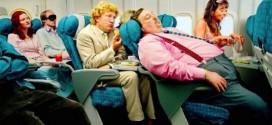 10 astuces pour bien dormir en avion